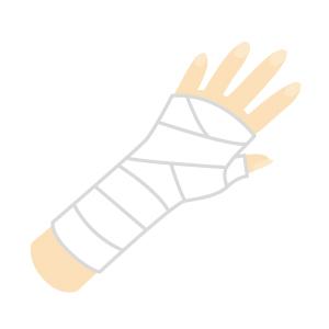骨折している手